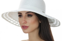 белая летняя шляпа