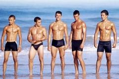 купить  боксеры и плавки для пляжа и бассейна.